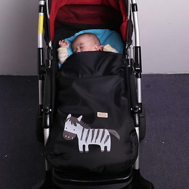 Venta caliente Zebra Cochecito Cochecito Cochecito de Bebé Saco de dormir de la Historieta Swaddle Recién Nacido Invierno Muff Pie Fleabag