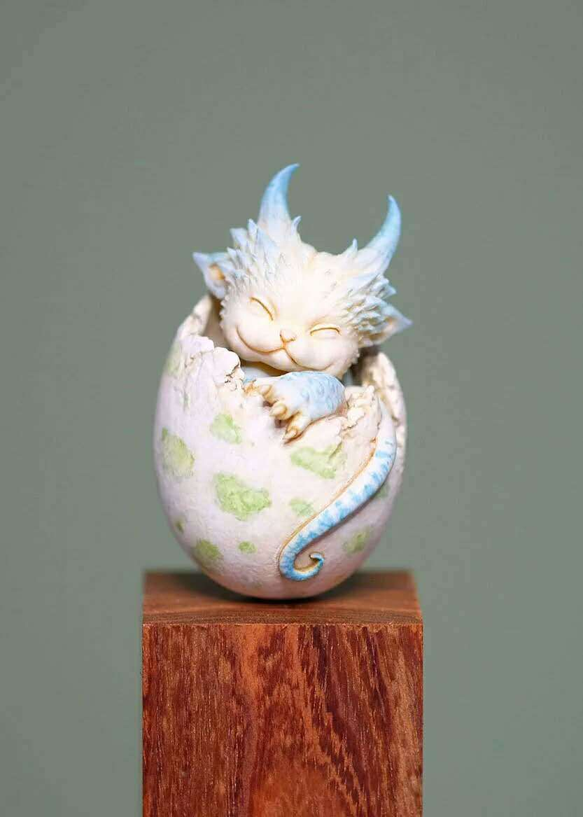 Resin Figure Kit Dragon Egg Unpainted Model Kit-in Action