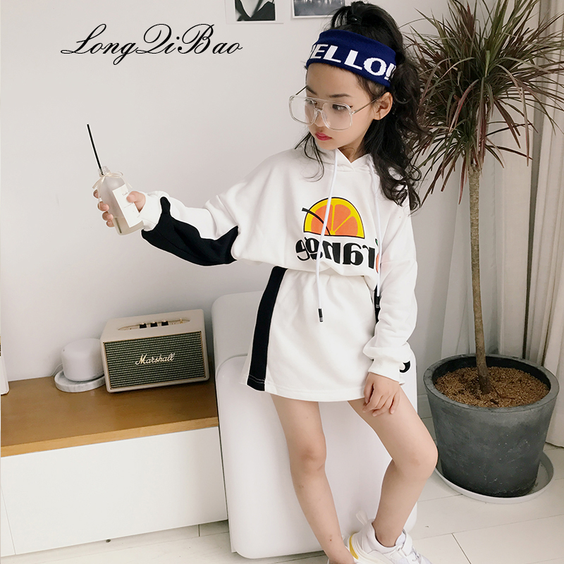 2018 autumn and winter baby girl new big childrens hooded printing sweater short skirt fashion Korean version of the tide  2018 autumn and winter baby girl new big childrens hooded printing sweater short skirt fashion Korean version of the tide