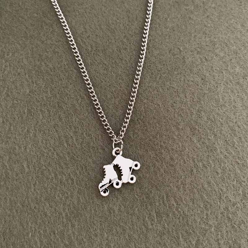 Exquisite Antique Silver Roller Skates Charms Pendant Necklace Women Jewelry Gift For Friends Dropshipping