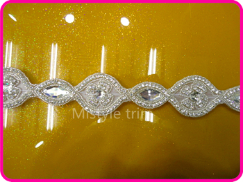 New Arrival beaded crystal applique and hot fix rhinestone trimming for wedding belts and sashes crystal
