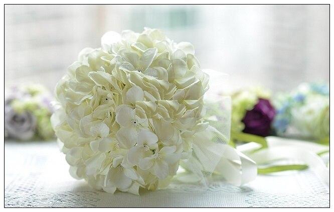 Korean Brides Simulation Holding Flowers Get Married Hand