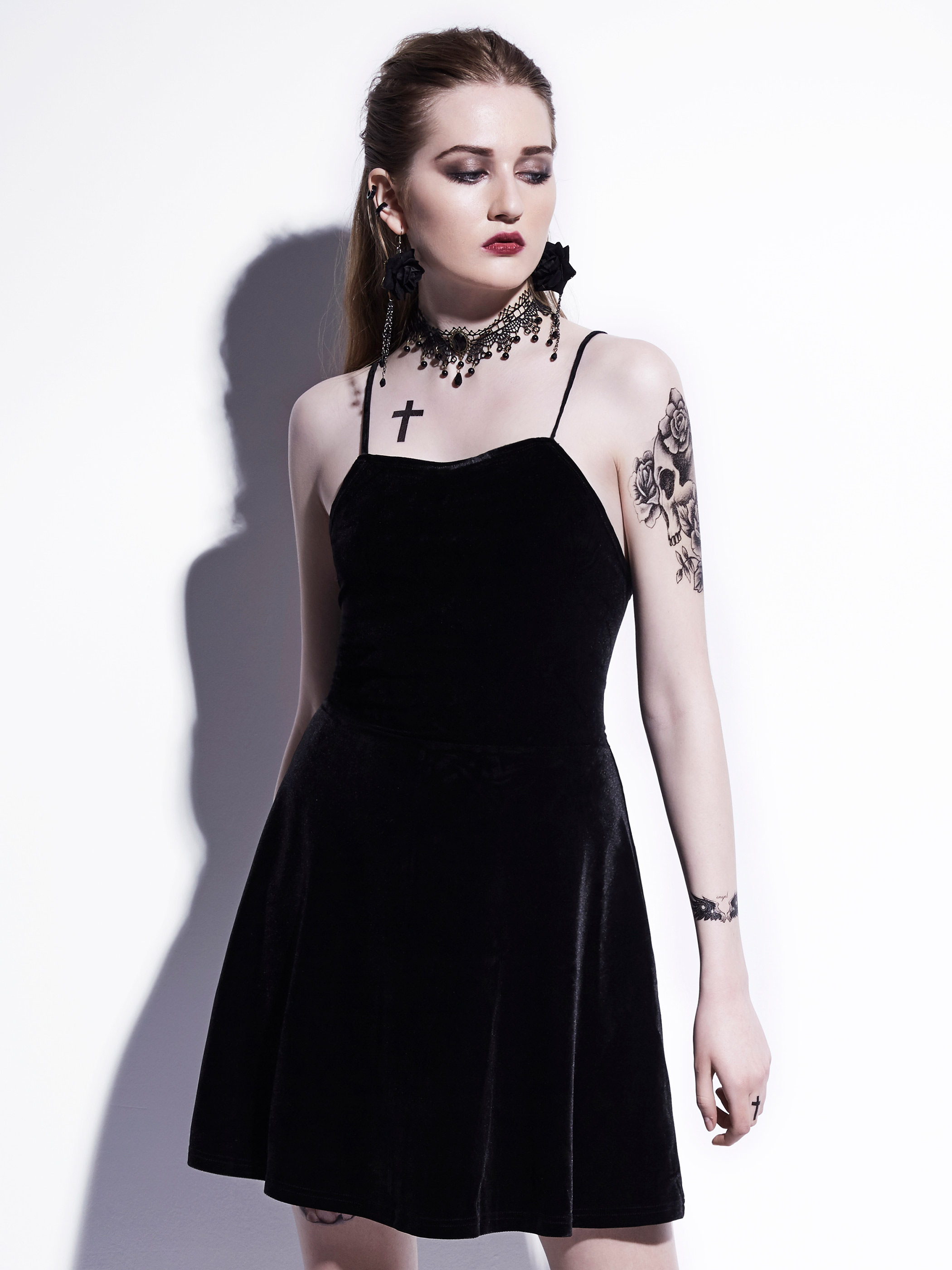 Gothic Mini Dress 2018 Black Summer Women Sexy Short Dress Velvet Backless Lace-Up Spaghetti Strap A-Line Goth Dresses