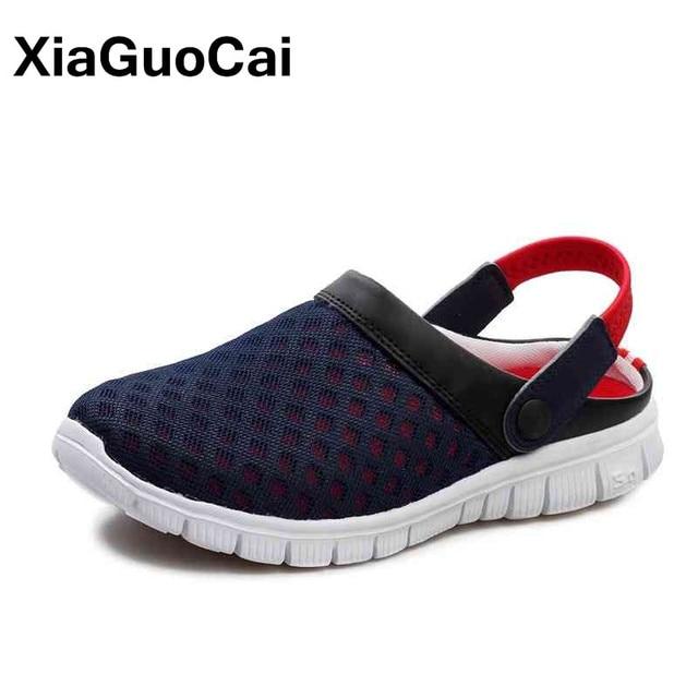 2019 Homens de Verão Chinelos Tamancos Tamanho Grande Homem Malha Respirável Sandálias de Praia Sapatos de Jardim Exterior de Secagem rápida Amantes Sapatos Casal
