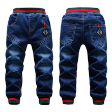 Zimowe duzi chłopcy spodnie jeansowe 2 14Yrs dzieci zagęścić dodaj wełniane spodnie Casual mycie niebieskie dżinsy Denim aksamitne kurtki ciepłe spodnie