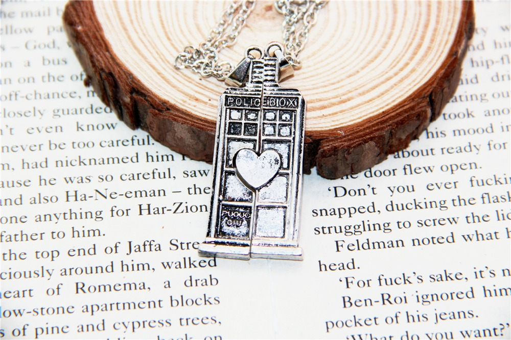 Hot Fashion Jewelry Doctor Who Tardis Phone Booth Double Heart Couples Necklace for lovers