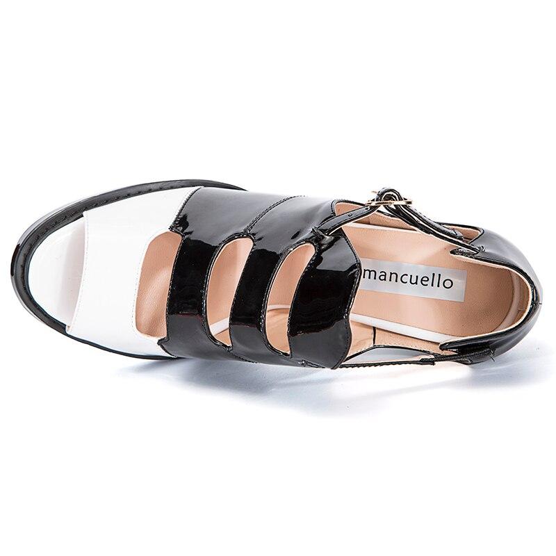 Moda Negro Blanco Rojo Tacones Altos Zapatos de Plataforma Mujer Bombas Sexy  Peep Toe Sandalias de Mujer Nueva de Charol Sandalias de Las Mujeres en ... c91f500d177e