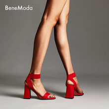 sexy red Round head diamond Thick with high heels In the summer of 2019 Nightclub models walk the runway Women's sandals with op sexy nightclub waterproof shoes 16cm heels spring and summer sexy fine with the fish head high with sandals