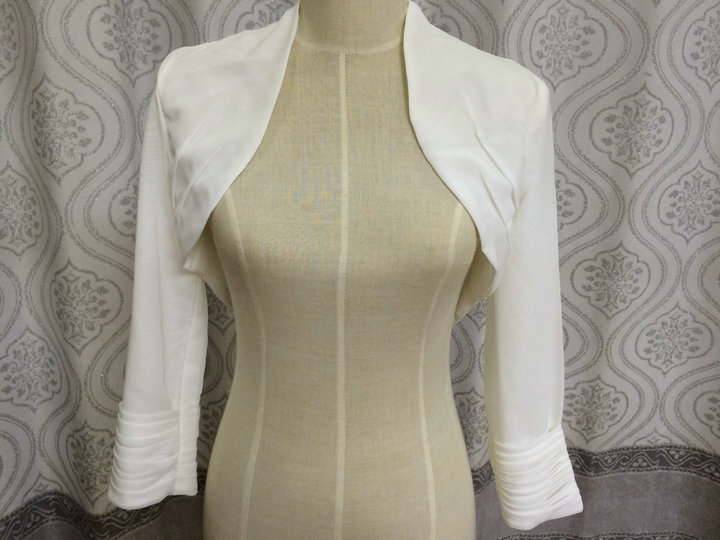 Lange mouw kanten bolero sjaal en wikkel chiffon Fourrure wit ivoor - Bruiloft accessoires - Foto 4