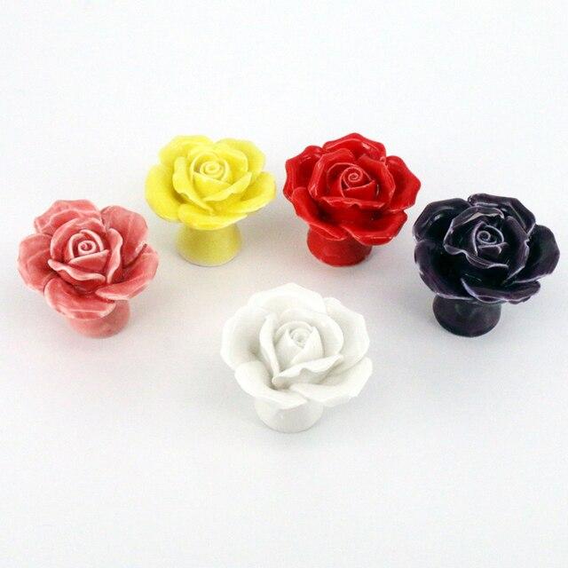 US $10.99 |5 pz/lotto Fiore Pomelli In Ceramica Camera Da Letto Mobili Da  Cucina Porta Dell\'armadio Armadio Manopola Pull porcellana Rosa Cassetti ...