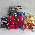 20 cm Juguete de Peluche Superman Batman Ironman Spiderman Capitán América DeadPool Marvel Super Hero Muñeca de Peluche de Regalo Para El Muchacho