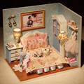 Handmade DIY Casa De Boneca De Madeira Brinquedos Kit Caixa Com Tampa E LED Móveis Em Miniatura Artesanato Modelo De Cozinha Casa de Bonecas Em Miniatura