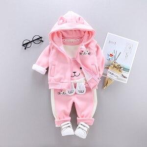 Image 1 - 3 sztuk dziecko dzieci odzież zimowa zestaw słodki kociak noworodka gruba ciepła bawełna ocieplane ubrania dla chłopców dziewcząt kamizelka z kapturem + topy + spodnie