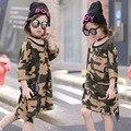 Meninas novas 2017 Primavera Camuflagem Vestido Kid Vestido Crianças Camisa Criança Moda Vestido Longo Estilo Solto Em Linha Reta No Saco, 2-7A