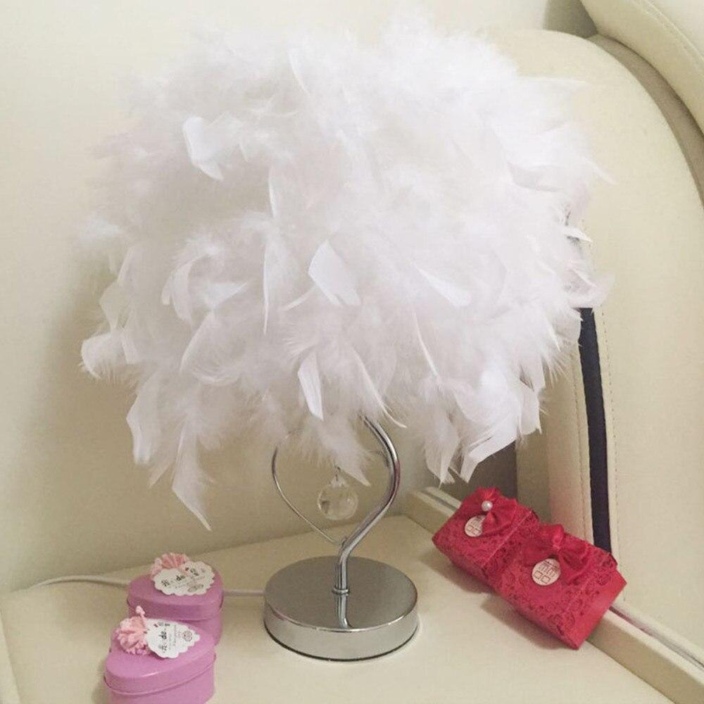 5933f021012b Casa forma de corazón blanco pluma Deco lámpara de mesa de cristal mesita  de noche lámpara para mesita de noche sala de lectura sala de estar con  enchufe
