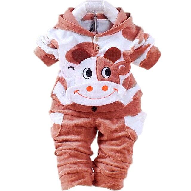 Niños bebés niñas conjunto de ropa de terciopelo recién nacido traje de Ropa niños Cartroon vaca Hola Kitty con capucha Niño chándal niños ropa
