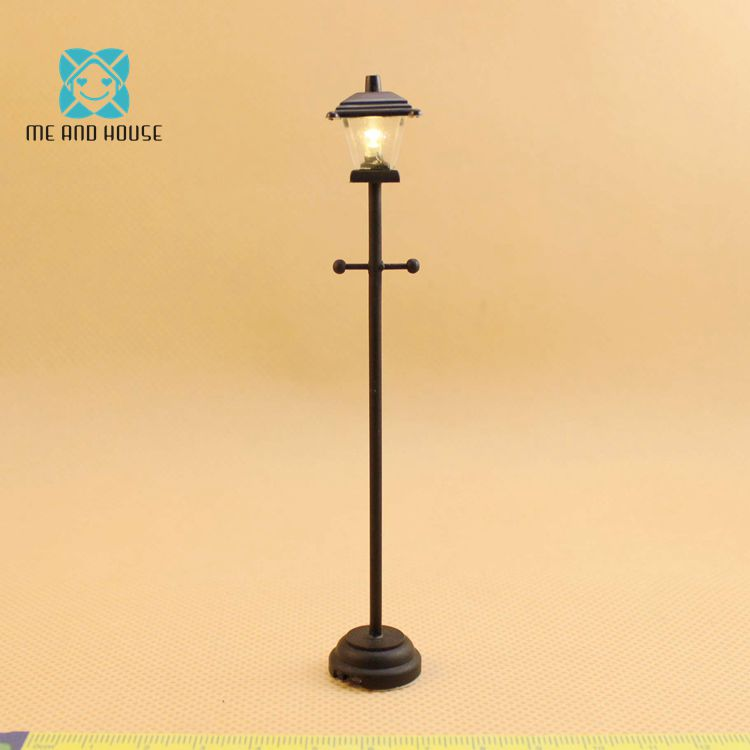 1:12 Dollhouse Battery-Operated Powered Mini LED Circular Ceiling Lamp New Type