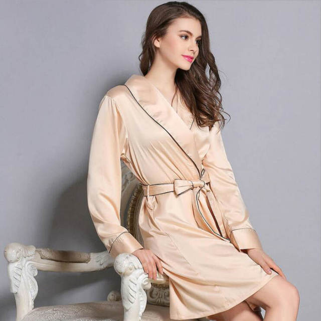 Silk Robe Housing Bathrobe Long Sleeve Nightgown Robe De Chambre Femmes  Nuit Shirt Women s Underwear Silk ba3a5c367
