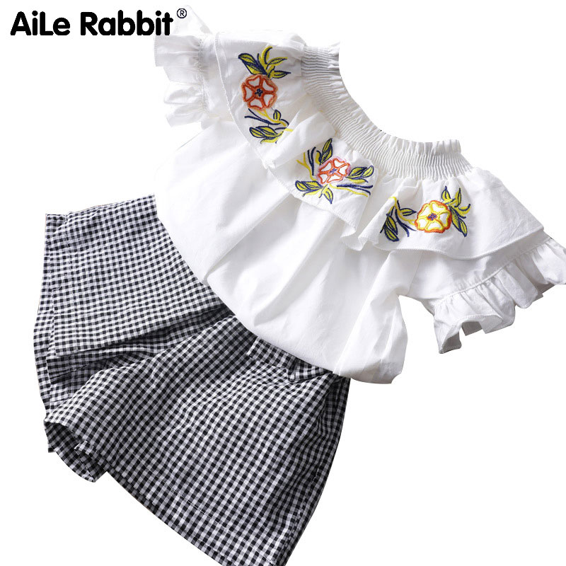 Mother & Kids Girls' Clothing Lovely R&z 2018 Summer New Female Baby Suit Lapel Sleeveless Shirt Polka Dot Shirt Bow Shorts Two-piece Childrens Suit Pretty And Colorful