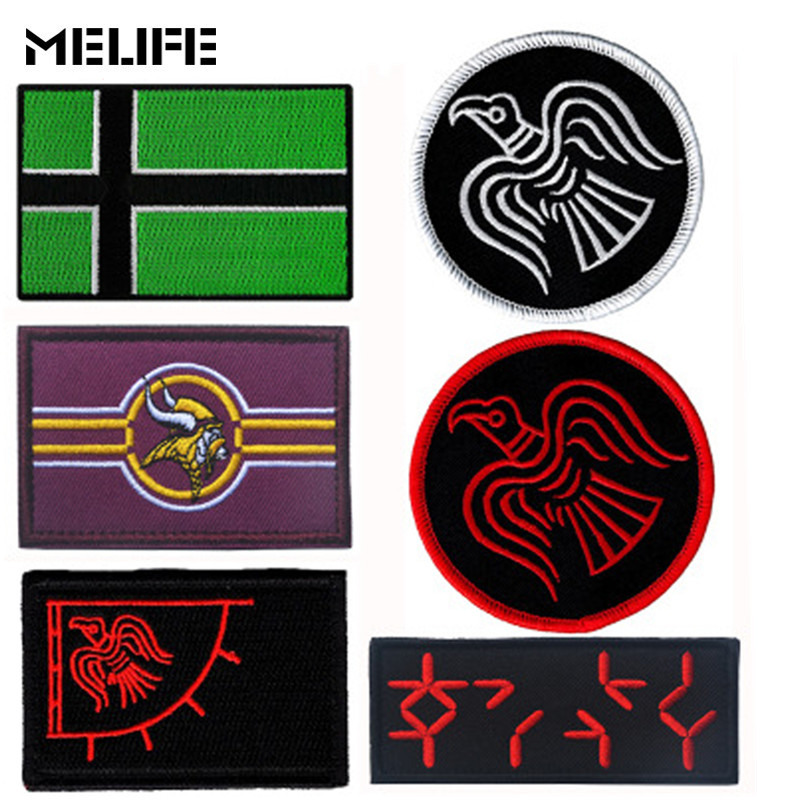 Team Souvenir  Embroidered Patch Vinnland Viking Flag Patch Odinic Norse Odins Raven Flag Patches Hook Tactical Badges For Bag
