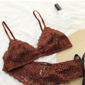 Image 1 - Wriufred Conjunto de sujetador de copa blanda de encaje para mujer, ropa interior con escote en V profundo, sujetador cómodo, lencería triangular ultrafina