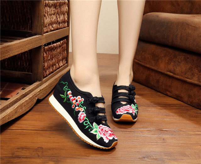 New Autumn Chinese Old BeiJing New Embroidery shoes Tourism national increased heel sport dance embroidered shoes plus size 40