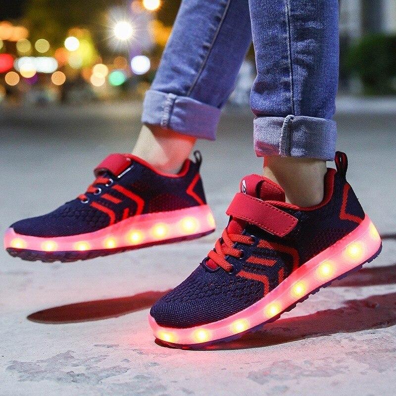 2019 zapatos de la lámpara del flash de las muchachas de la marca de la manera caliente para los niños zapatillas de luz LED zapatillas de deporte informales recargables del USB