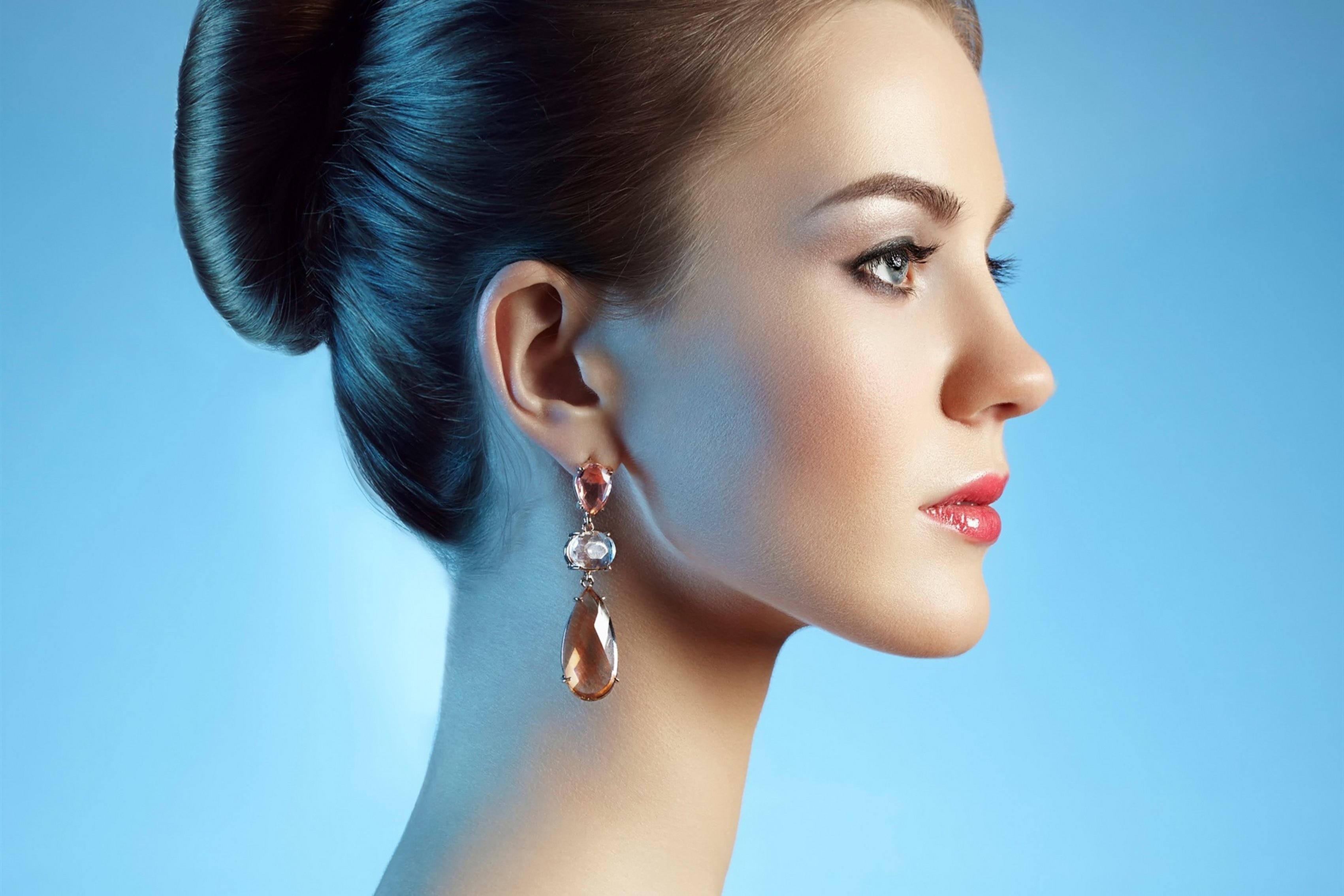 Fashion Beautiful Graceful Woman Girl Side View Earrings