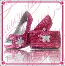 Aidocrystal top qualität lady party kristall schuhe und tasche zu spiel fuchsia schmetterling muster peep toe high heels und tasche set
