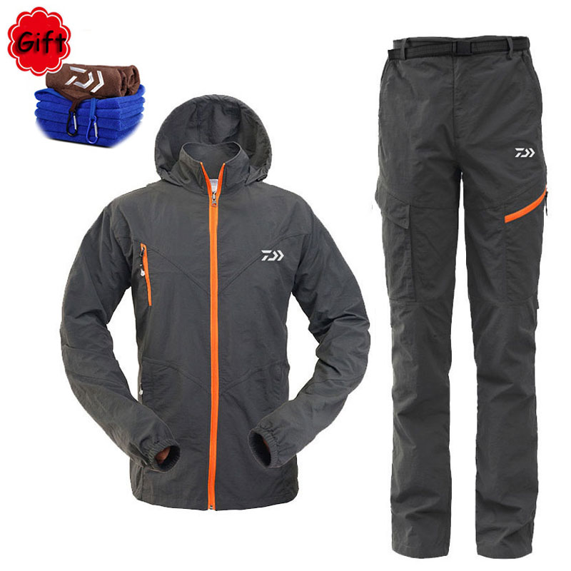 Men Outdoor Fishing Clothing Breathable Sun UV Protection Spring Summer Sportswear Clothes Fishing Shirt Pants Free Gift Towel
