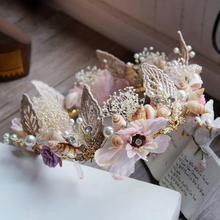 Refined Romantic Wedding Tiara With Leafs & Pearls