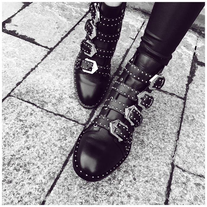 2017 Hot Selling Newest Brand Black  Multi-Buckle Boots Punk Style Flat Women Ankle Boots Black Leather Fashion Winter Boots