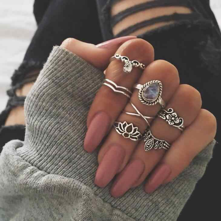 2018 New 7PCS 1SET High Quality Punk style Rhinestone hollow out Retro carved Lotus ring for women gift Fashion Ring Set Jewelry