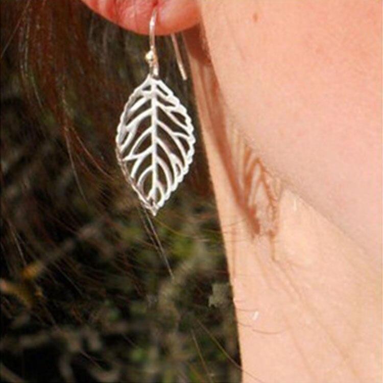 2019 New Beautiful Metal Hollow Leaf Earrings Small Fresh Korean Earrings Korean Simple Earrings