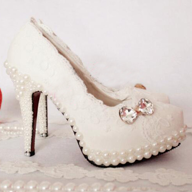 2016 Vogue Butterfly Middl Heel Wedding Shoes White Lace With Pearl  Formal Shoes Party Prom Pumps Plus Size 43 Bridesmaid Shoes bridesmaid shoes plus size white pearl with black rhinestone wedding shoes women high heel platform shoes party prom pumps