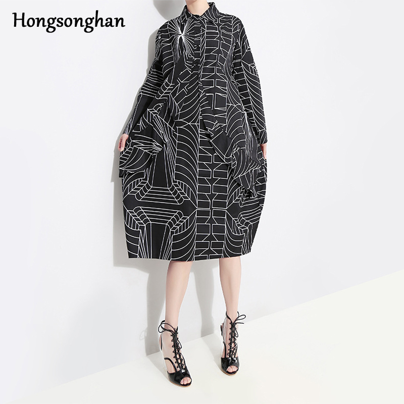 Hongsonghan 2019 Spring Japan style single-breasted dress womens personality geometric line pattern harajuku loose tide
