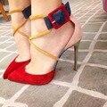 2017 Новых модный бренд обуви острым носом на высоком каблуке смешанных цветов лодыжки ремень пряжка современных женщин насосы овец замши дамы офис 30