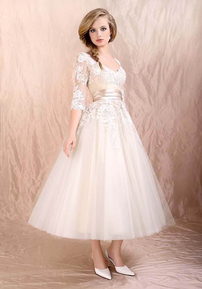Lovely Short A Line Tea Length Lace Decorated Tulle Wedding Dress With Sleeves Free Shipping In Dresses From Weddings Events On Aliexpress