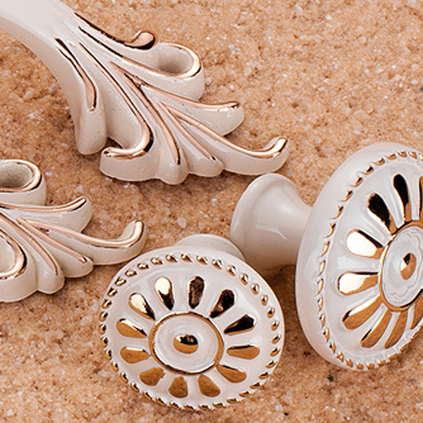 High-grade K Gold Ivory White Carve Patterns Designs Wood Cabinet Handle European Rural Style Wardrobe Ambry Drawer Pull 8827