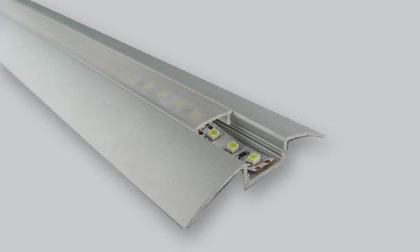 Hliníkové pouzdro s hliníkovým profilem pro povrchovou montáž pro flexibilní / tvrdá LED pásová světla s bílou ústřicí, matnou, průhlednou a koncovou krytkou
