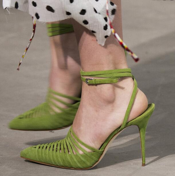 Top nouvelle marque femmes solide vert noir blanc daim/cuir bout pointu découpes talons minces boucle sangle talons hauts pompes de fête