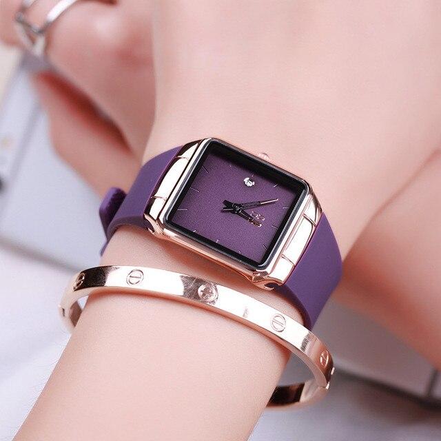 3e2af3dd5b7 Top Marca Ultra Fina Moda Relógio Feminino Senhoras de Presente de Luxo  Relógio Quadrado Coreano Calendário