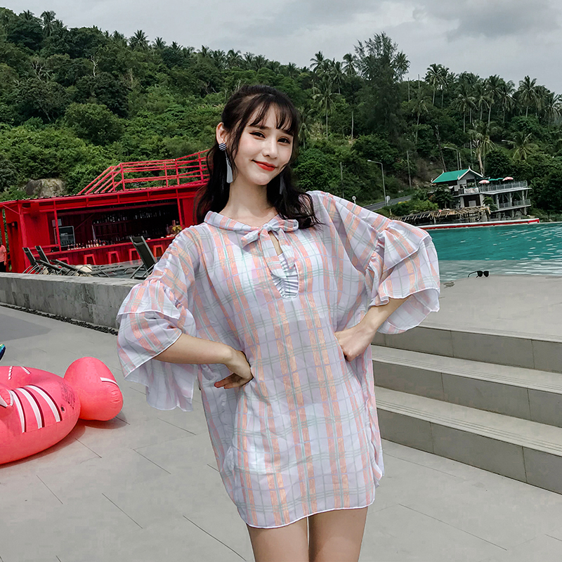 2018 August hot new Sexy Striped cover-ups 3 pieces swimsuit Young girl High Neck bikini swimwear beach women bathing suits