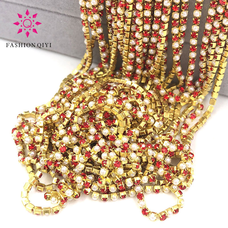 New Hot 5 yards 2mm Gold base Red glass crystal rhinestones pearls with claw sew on cup chain diy wedding clothing accessories