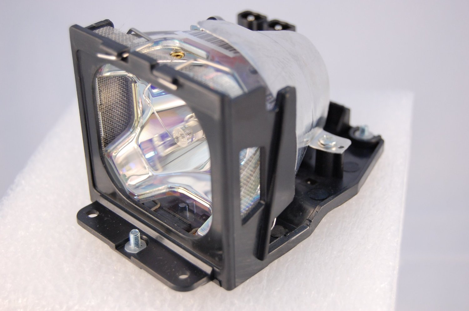 TLPLV1 TLP-LV1 for TOSHIBA TLP-S30 TLP-S30M TLP-S30MU TLP-S30U TLP-T50 TLP-T50M TLP-T50MU TLP-T50U Projector Lamp Bulb With Case free shipping tlplv1 replacement projector bare lamp for toshiba tlp s30 tlp s30m tlp s30mu tlp s30u tlp t50 tlp t50m