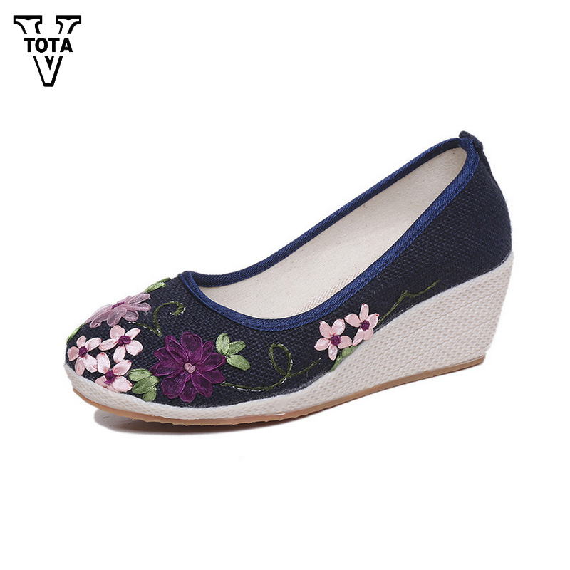VTOTA 2017 Vintage Shoes Woman Cotton Fabric Wedges Casual Shoes Comfortable Embroidered Women Flower Platform Shoes