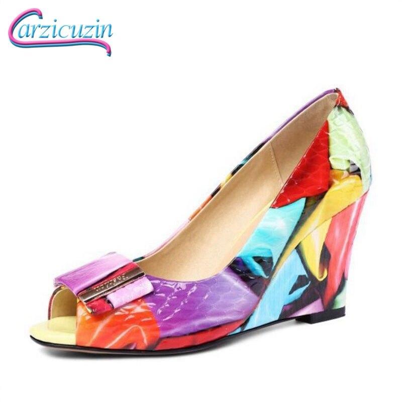 Carzicuzin Taille 33-42 Véritable En Cuir Femmes Coins Pompes Coloré Impression talons hauts Chaussures Peep Toe Parti chaussures de mariage Femme
