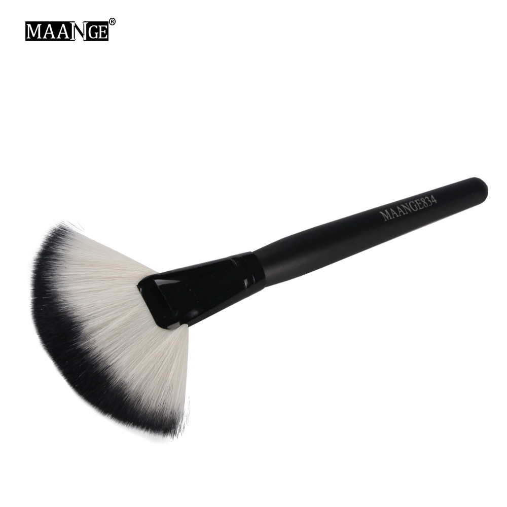 1Pcs Soft Makeup Large Fan Brush Foundation Blush Blusher Powder Highlighter Brush Powder Dust cleaning brushes Cosmetic Tool large soft cosmetic makeup brush