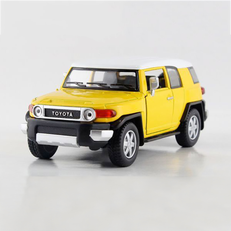 Maisto Yellow Smart Fortwo Open Door Diecast Metal Car: 1/36 Yellow Pull Back Car FJ CRUISER Alloy Models LAND
