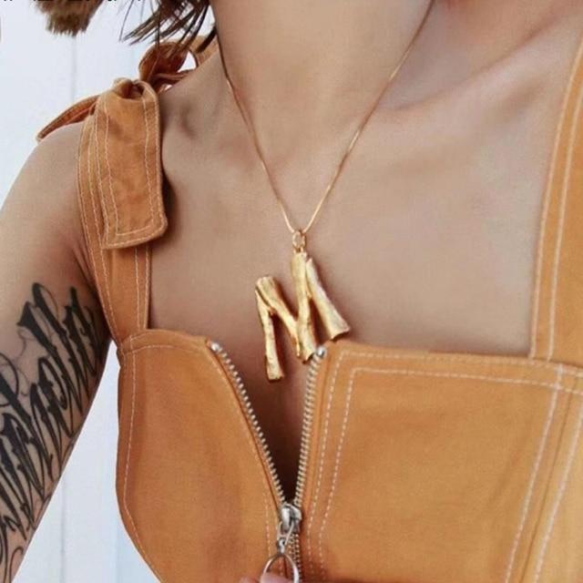 085ccfd8727c Letras iniciales collar de las mujeres Cadena de Color oro 2018 de moda  collares colgante grande